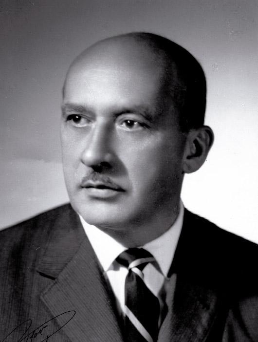 Dr. Arturo Aparicio Jaramillo