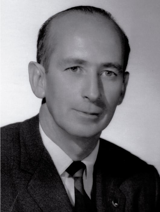 Dr. Cesar Gòmez Villegas